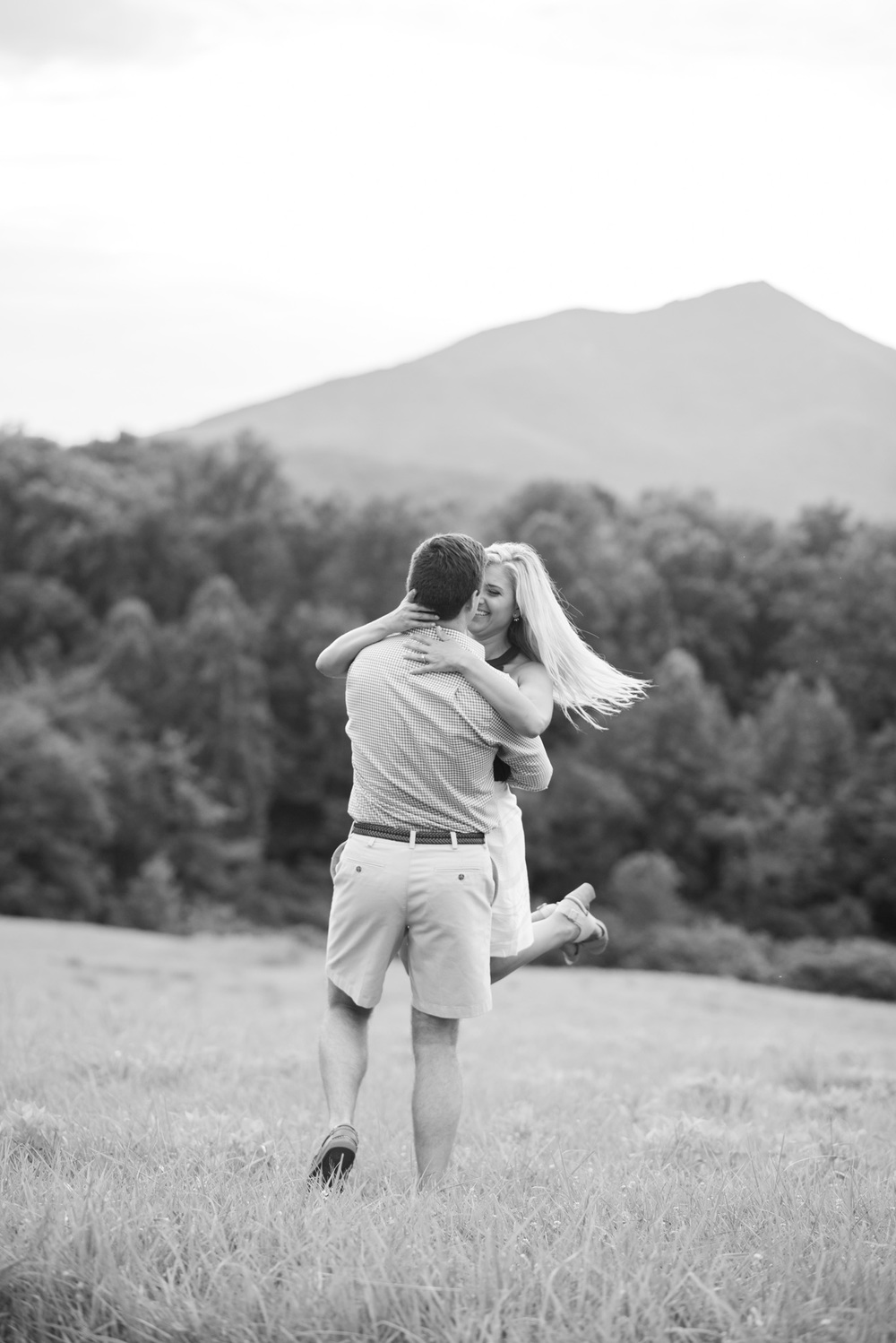 Va_Engagement_session_VA_wedding_photographers _Claytor_nature_Center_Bedford_VA994.jpg