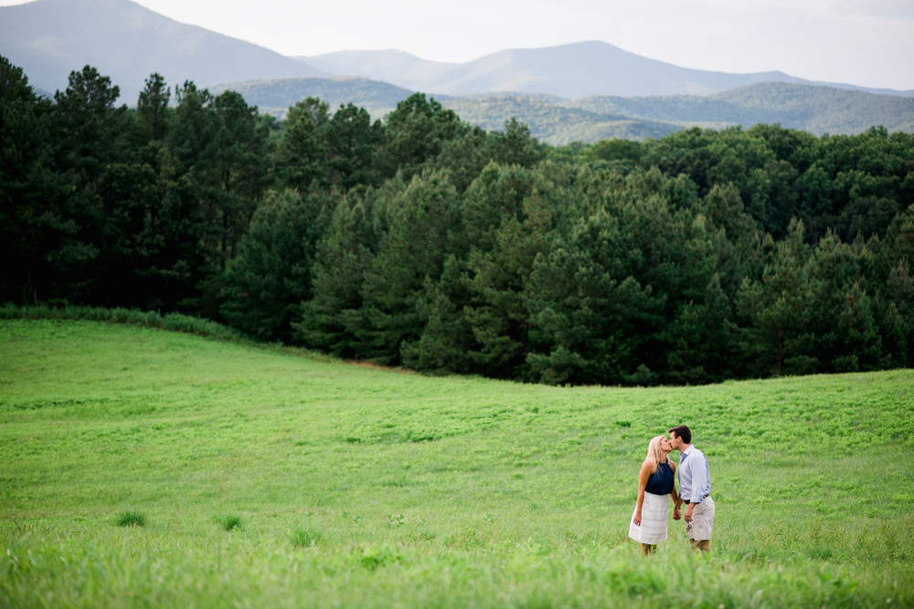 Va_Engagement_session_VA_wedding_photographers _Claytor_nature_Center_Bedford_VA996.jpg