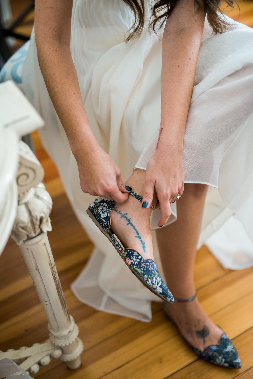 The_Trivium_Estate_Forest_VA_Wedding_Flower_Crown_boho_wedding_classic_wedding_Virginia_Wedding_photographer013.jpg