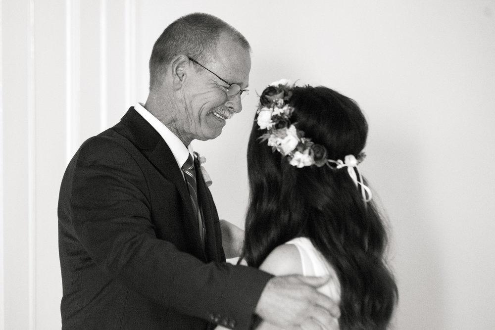 The_Trivium_Estate_Forest_VA_Wedding_Flower_Crown_boho_wedding_classic_wedding_Virginia_Wedding_photographer045.jpg