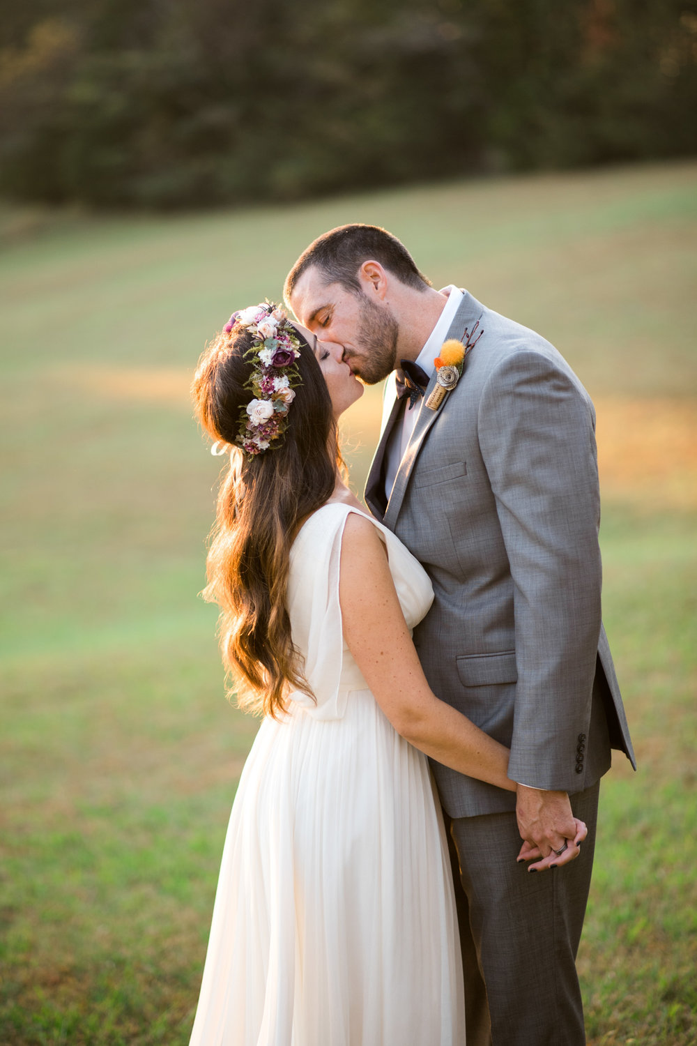 The_Trivium_Estate_Forest_VA_Wedding_Flower_Crown_boho_wedding_classic_wedding_Virginia_Wedding_photographer087.jpg