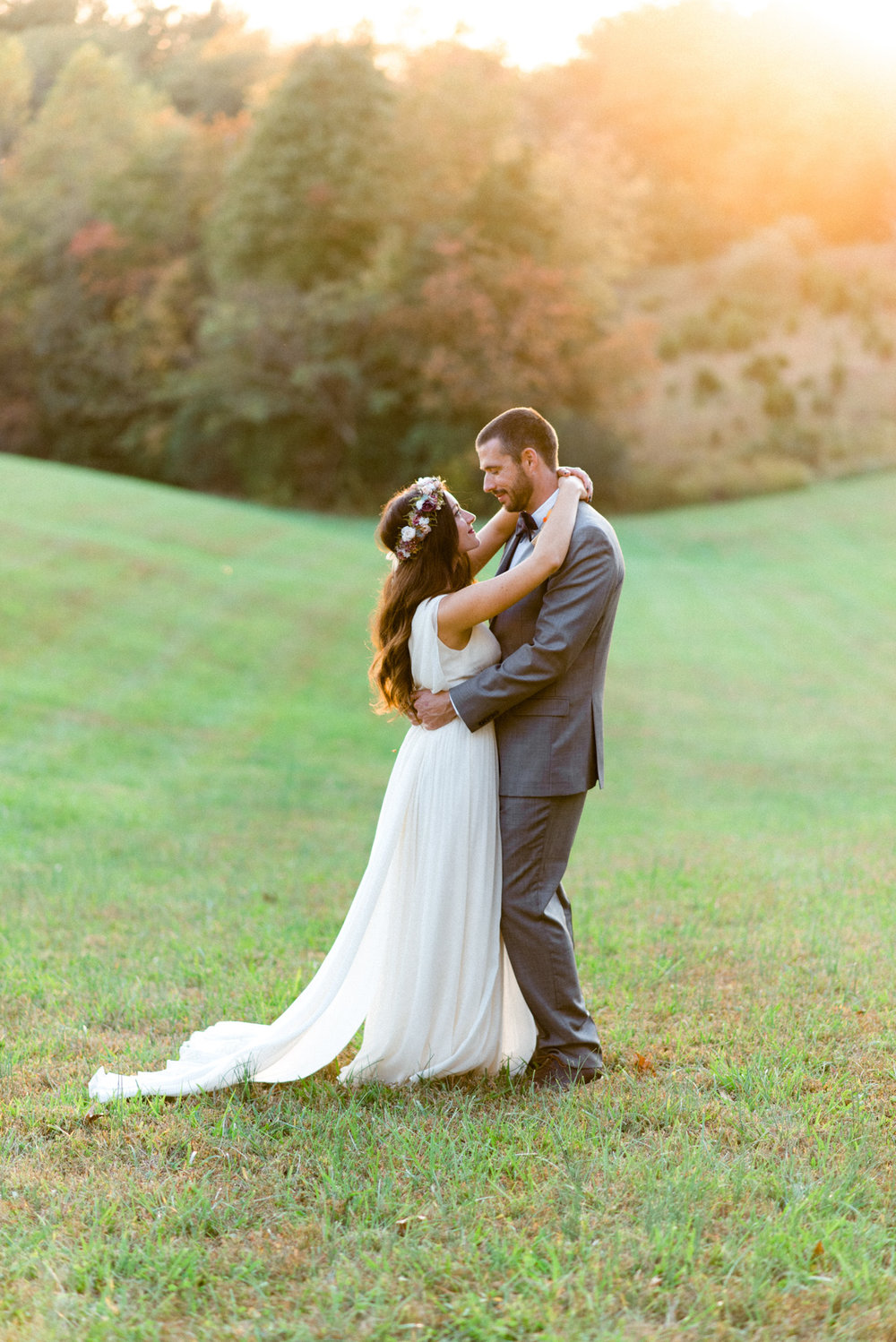 The_Trivium_Estate_Forest_VA_Wedding_Flower_Crown_boho_wedding_classic_wedding_Virginia_Wedding_photographer089.jpg