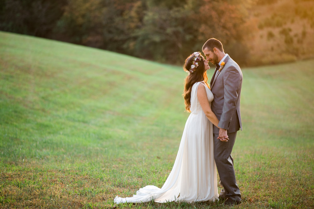 The_Trivium_Estate_Forest_VA_Wedding_Flower_Crown_boho_wedding_classic_wedding_Virginia_Wedding_photographer091.jpg