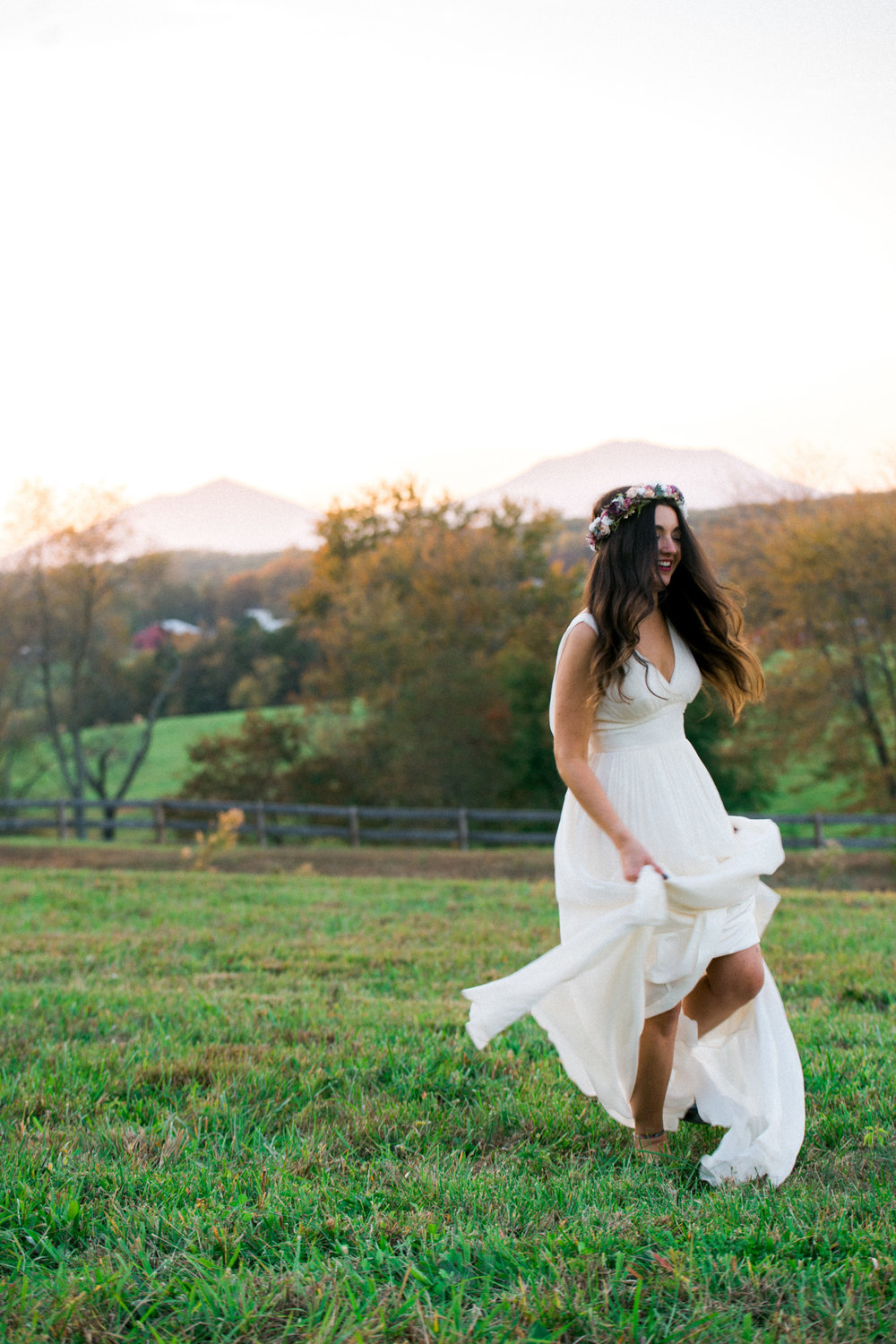 The_Trivium_Estate_Forest_VA_Wedding_Flower_Crown_boho_wedding_classic_wedding_Virginia_Wedding_photographer099.jpg