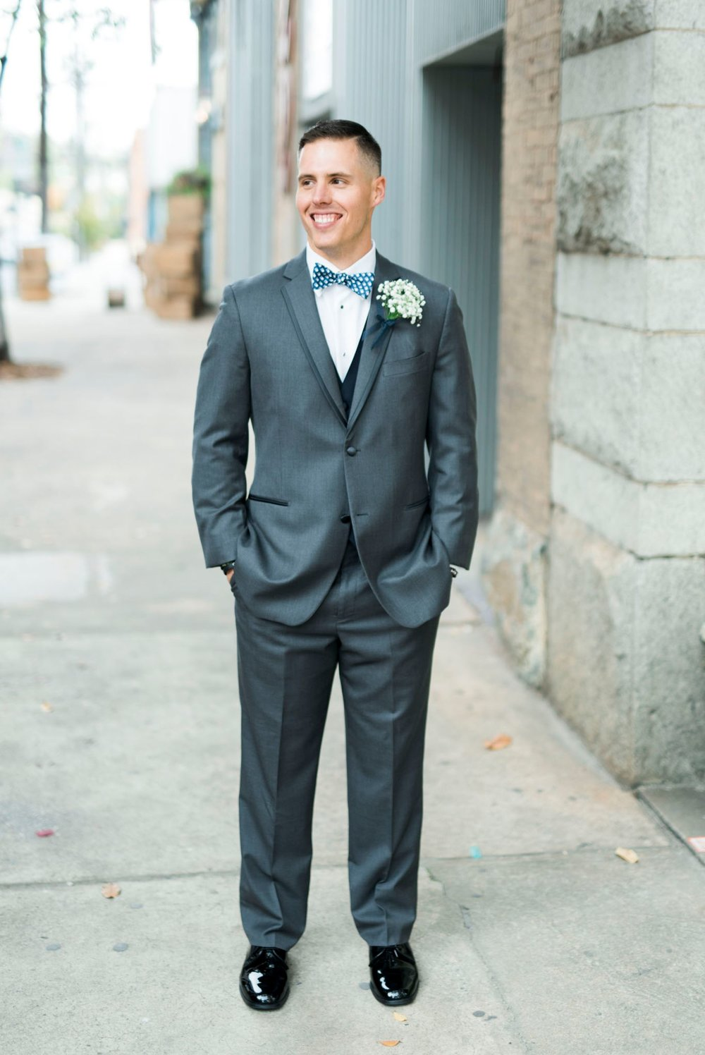 Trescaon8th_DowntownLynchburg_Virginiaweddingphotographer 22.jpg