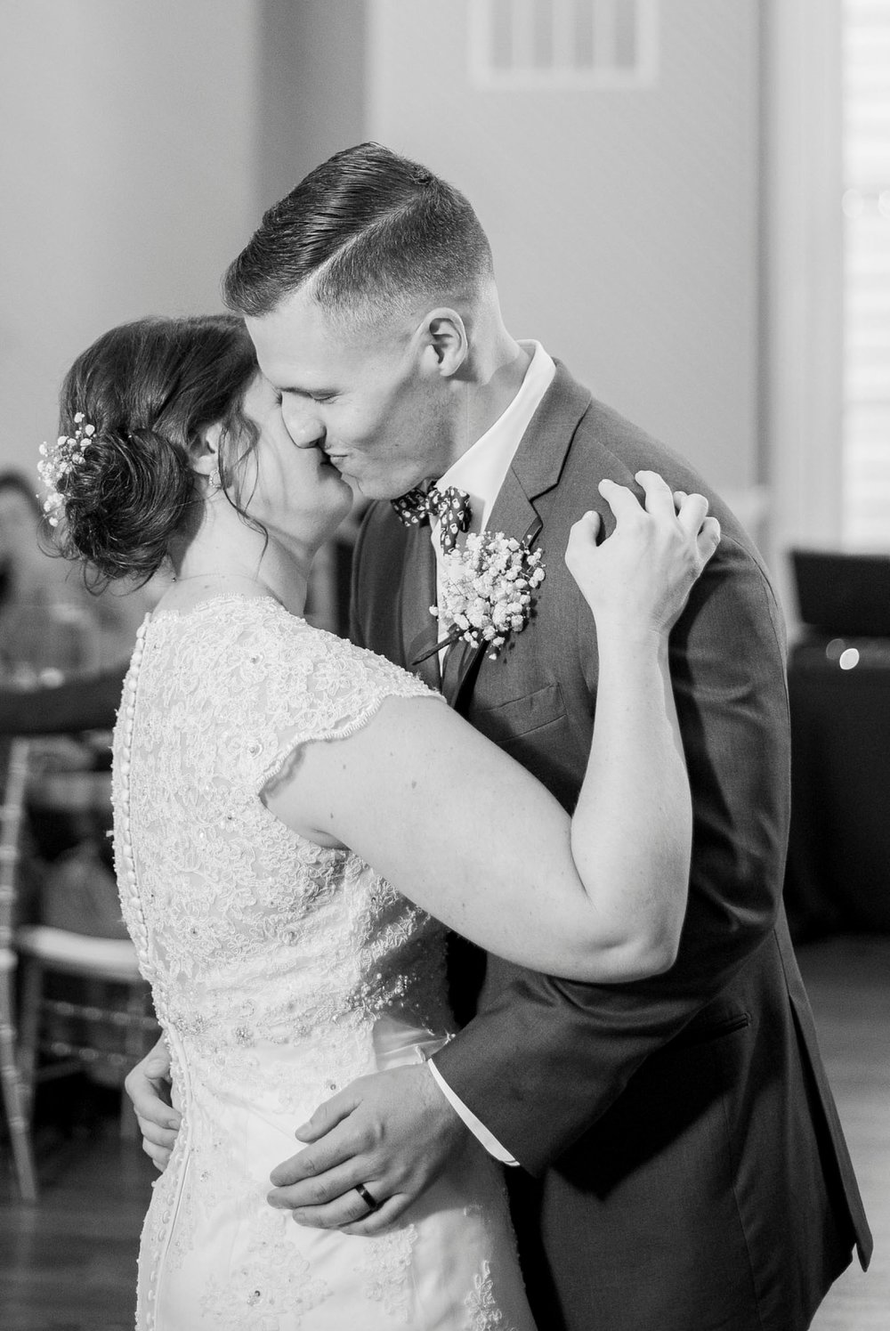 Trescaon8th_DowntownLynchburg_Virginiaweddingphotographer 89.jpg