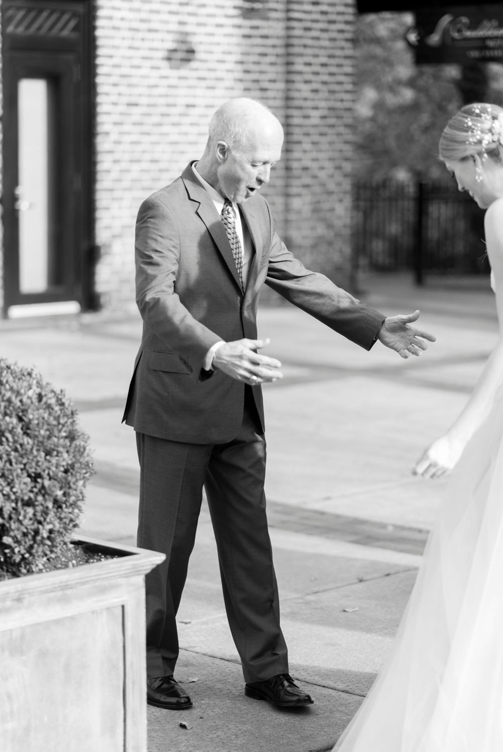downtownlynchburg_virginiaweddingphotographer_Craddockterryhotel_churchwedding 32.jpg