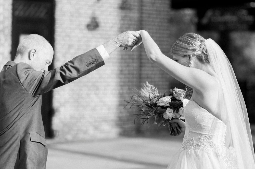 downtownlynchburg_virginiaweddingphotographer_Craddockterryhotel_churchwedding 33.jpg