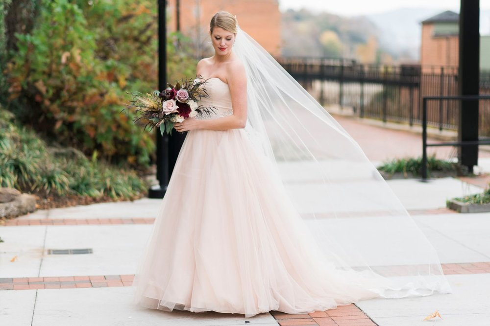 downtownlynchburg_virginiaweddingphotographer_Craddockterryhotel_churchwedding 81.jpg