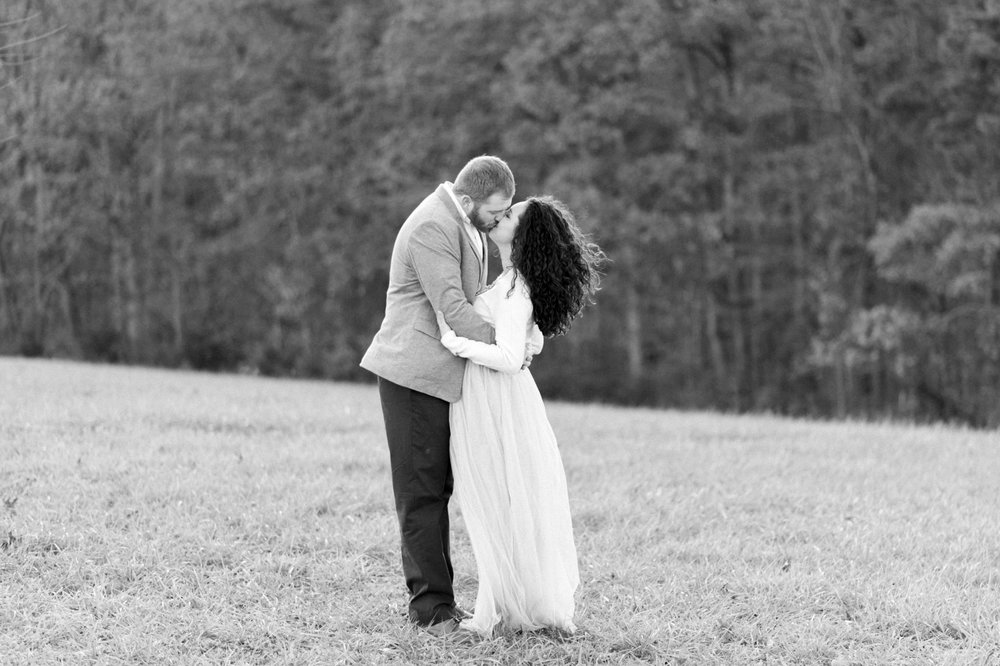 SorellaFarms_EngagementSession_VirginiaweddingPhotographer 28.jpg