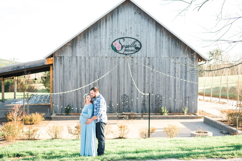 SorellaFarms_Jessica+Dylan_MaternitySession_Virginiaweddingphotographer 16.jpg