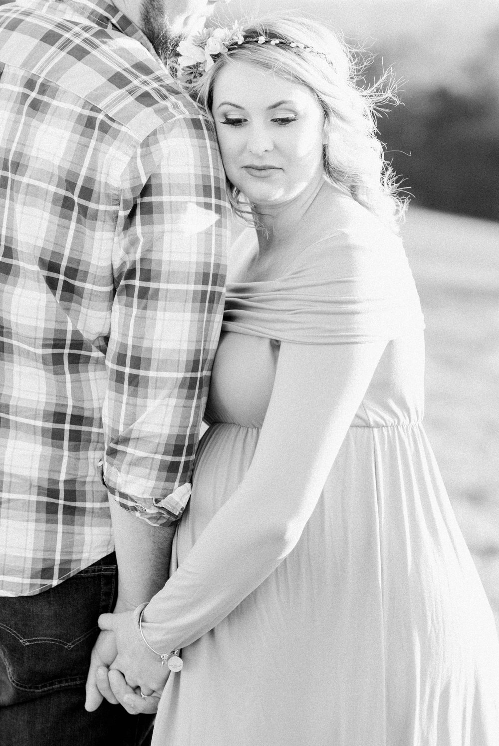 SorellaFarms_Jessica+Dylan_MaternitySession_Virginiaweddingphotographer 25.jpg