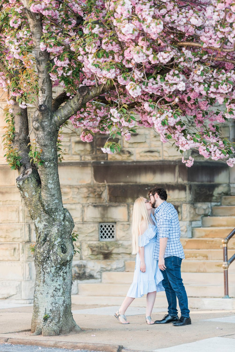 LaunceTarah_VirginiaWeddingPhotographer_EngagementSession_LynchburgVA_DowntownLynchburg_SpringEngagement 2.jpg