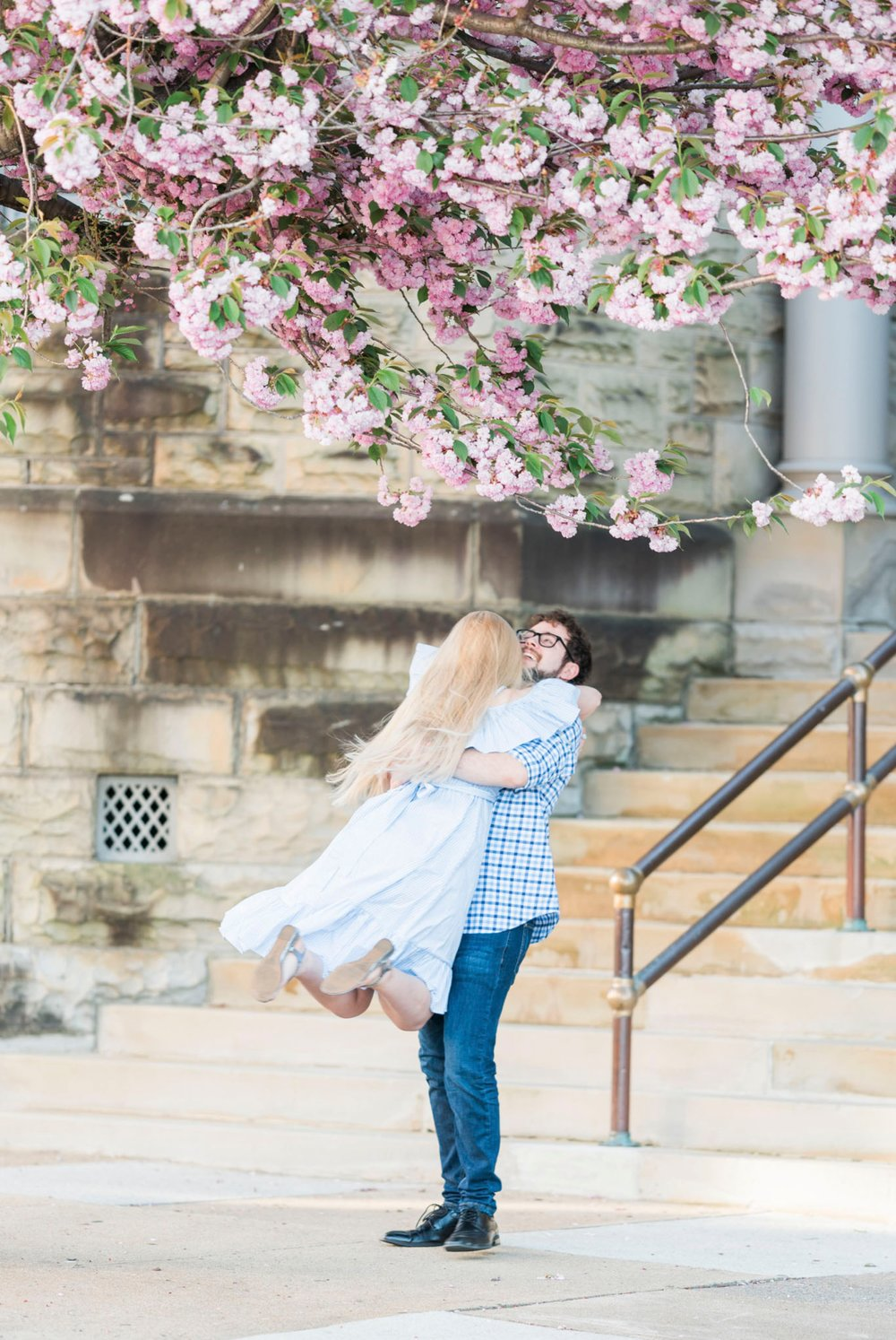 LaunceTarah_VirginiaWeddingPhotographer_EngagementSession_LynchburgVA_DowntownLynchburg_SpringEngagement 4.jpg