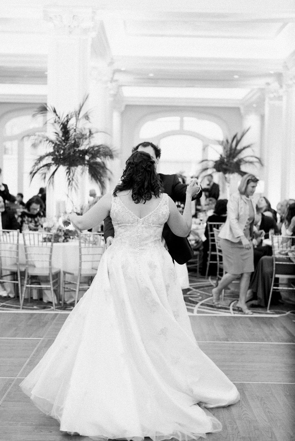 TheVirginianHotel_LynchburgVA_TheVirginianHotelWedding_Virginiaweddingphotographer_Lynchburgvawedding 15.jpg