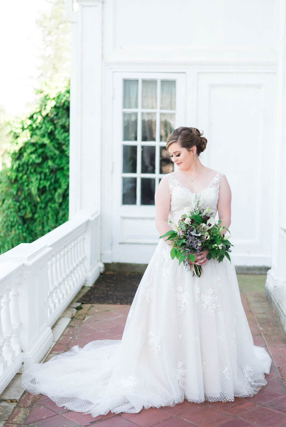 Jillian+Abi_OakridgeEstate_Wedding_VirginiaWeddingPhotographer_SpringWedding 24.jpg
