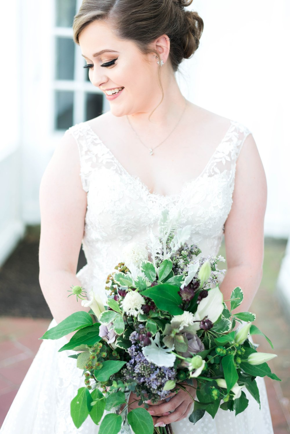 Jillian+Abi_OakridgeEstate_Wedding_VirginiaWeddingPhotographer_SpringWedding 25.jpg