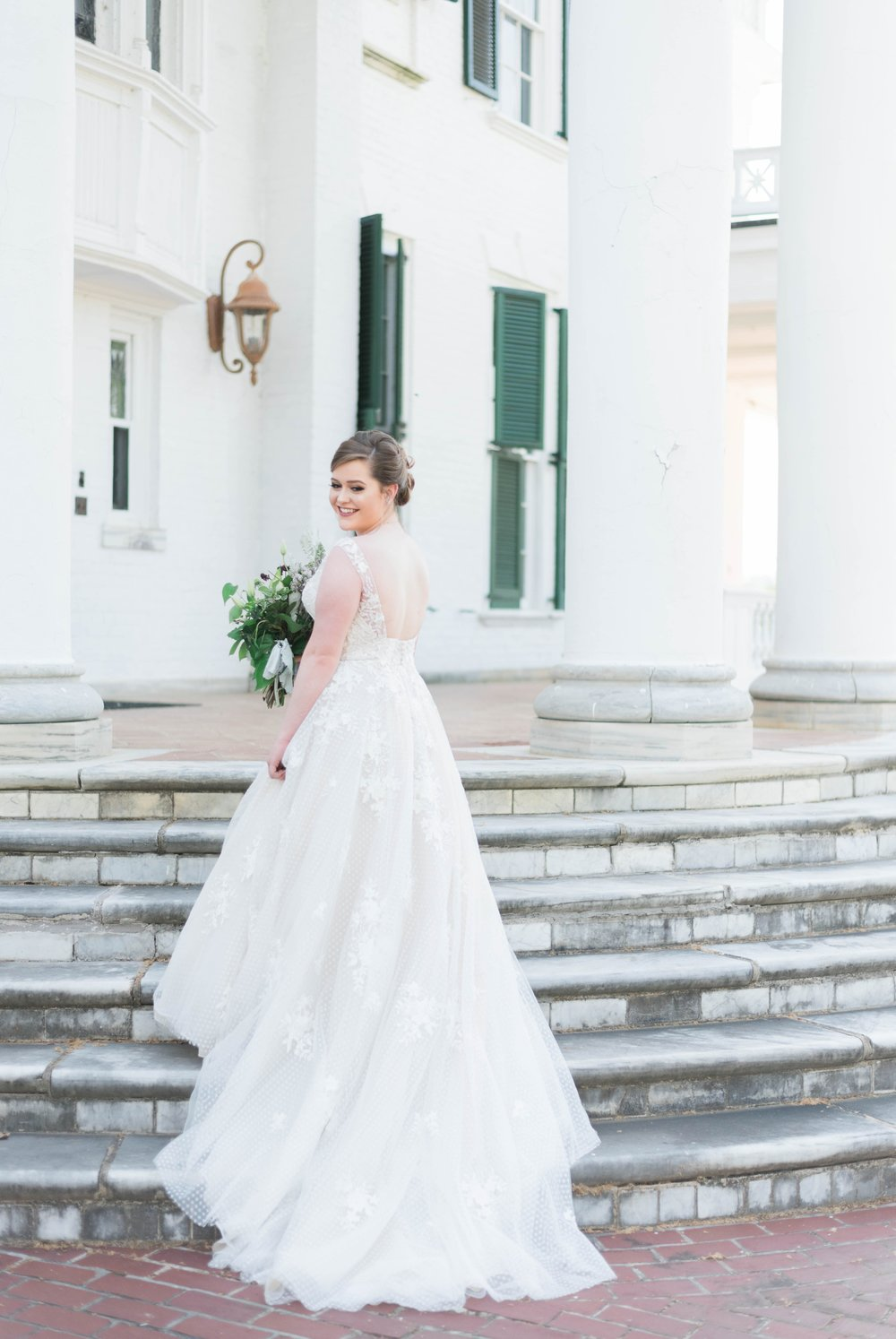 Jillian+Abi_OakridgeEstate_Wedding_VirginiaWeddingPhotographer_SpringWedding 36.jpg