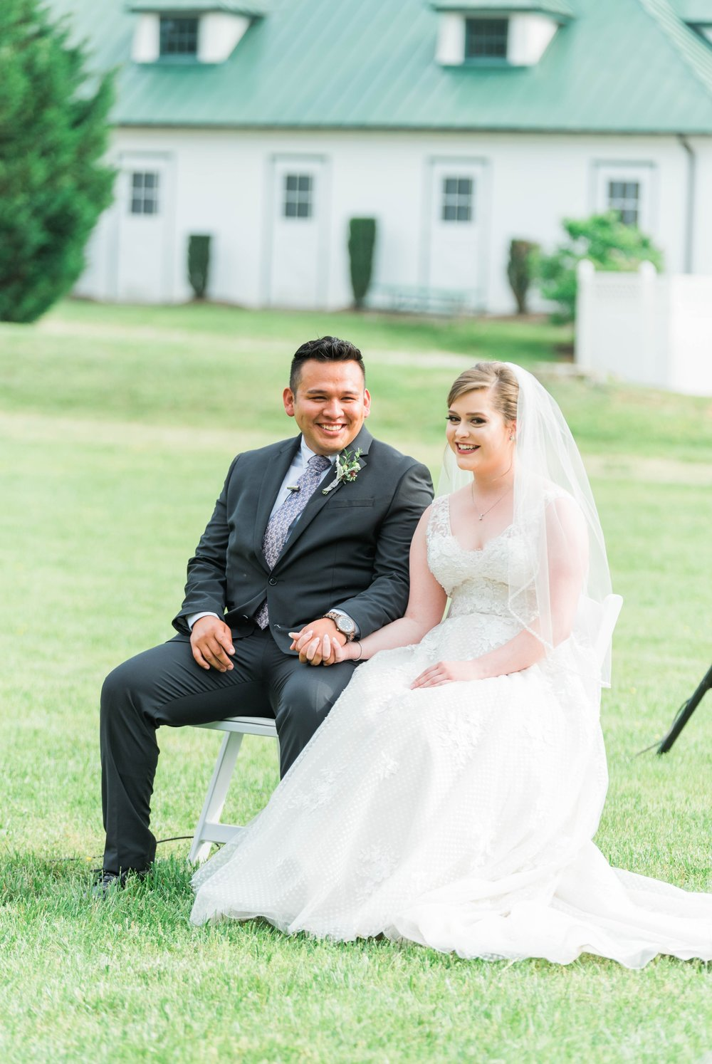 Jillian+Abi_OakridgeEstate_Wedding_VirginiaWeddingPhotographer_SpringWedding 3.jpg