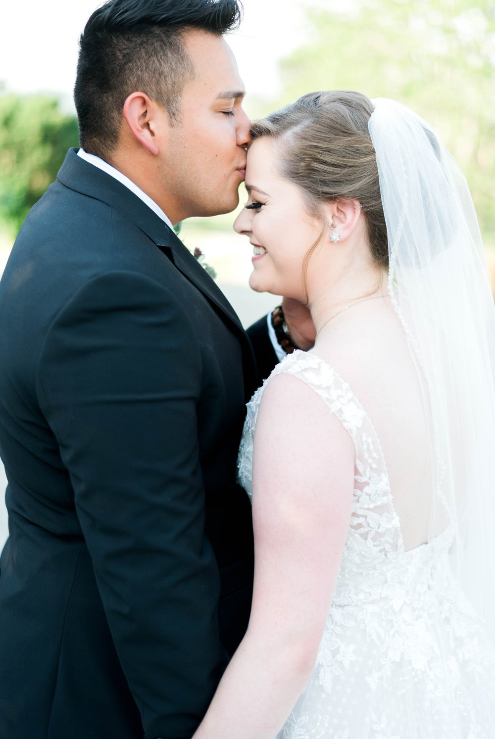 Jillian+Abi_OakridgeEstate_Wedding_VirginiaWeddingPhotographer_SpringWedding 21.jpg