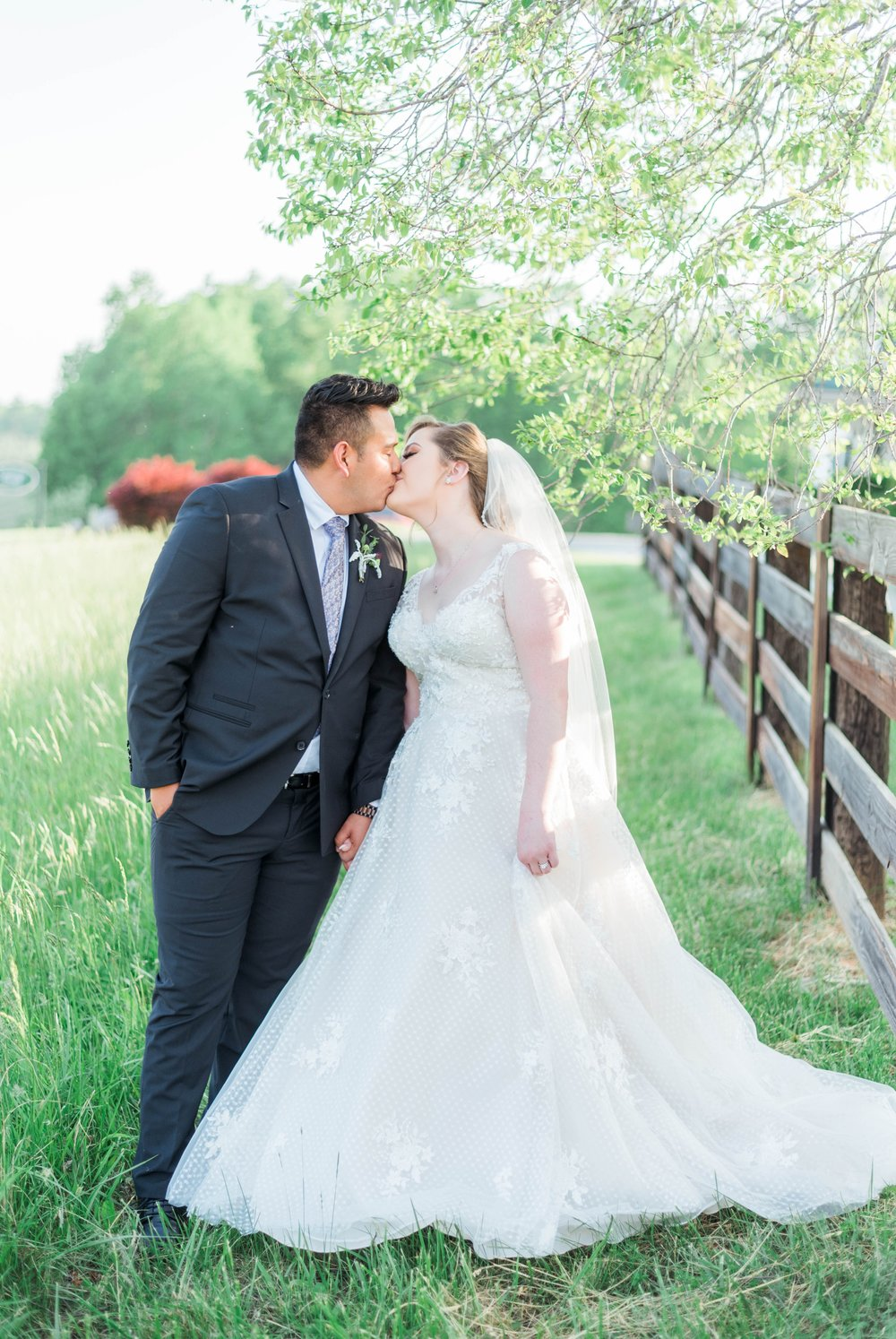 Jillian+Abi_OakridgeEstate_Wedding_VirginiaWeddingPhotographer_SpringWedding 26.jpg