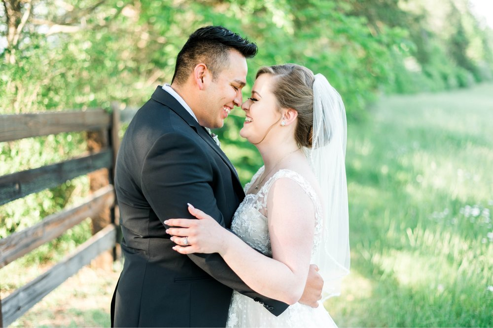 Jillian+Abi_OakridgeEstate_Wedding_VirginiaWeddingPhotographer_SpringWedding 32.jpg