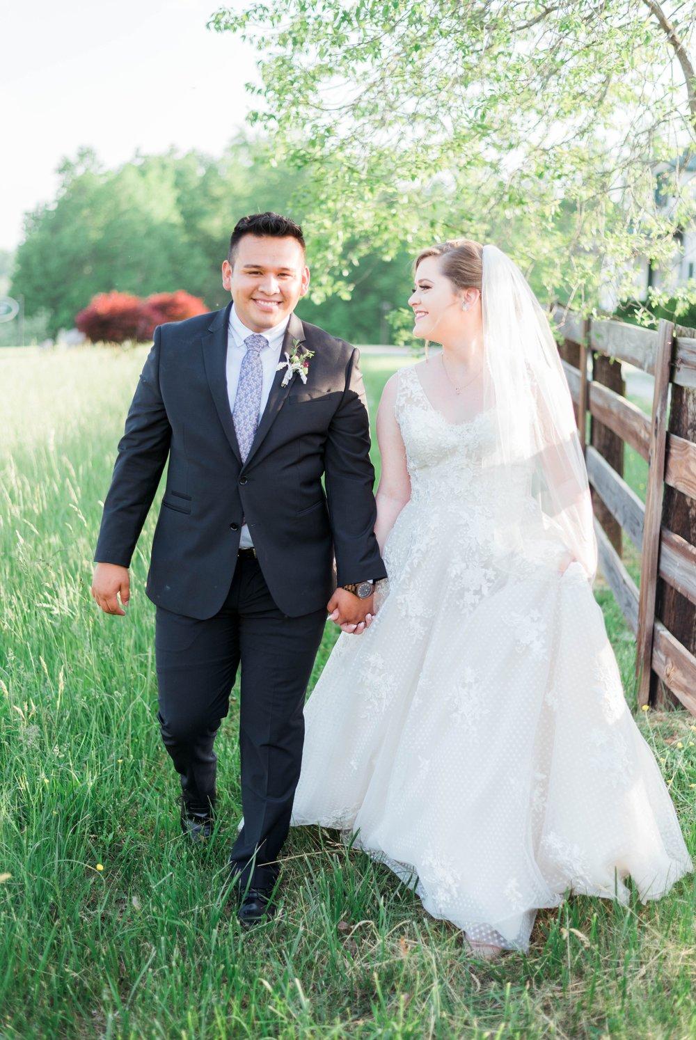 Jillian+Abi_OakridgeEstate_Wedding_VirginiaWeddingPhotographer_SpringWedding 31.jpg