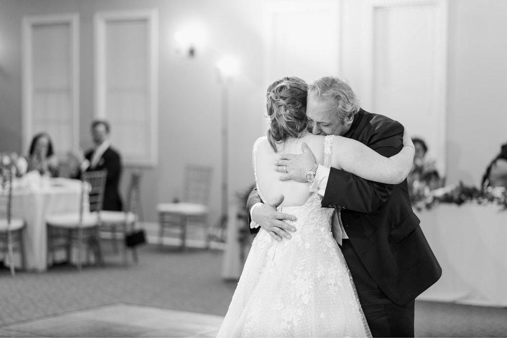 Jillian+Abi_OakridgeEstate_Wedding_VirginiaWeddingPhotographer_SpringWedding 40.jpg