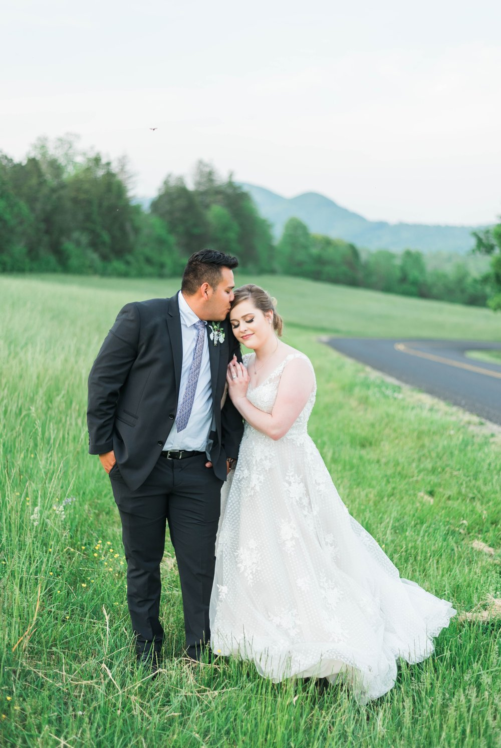 Jillian+Abi_OakridgeEstate_Wedding_VirginiaWeddingPhotographer_SpringWedding 2.jpg