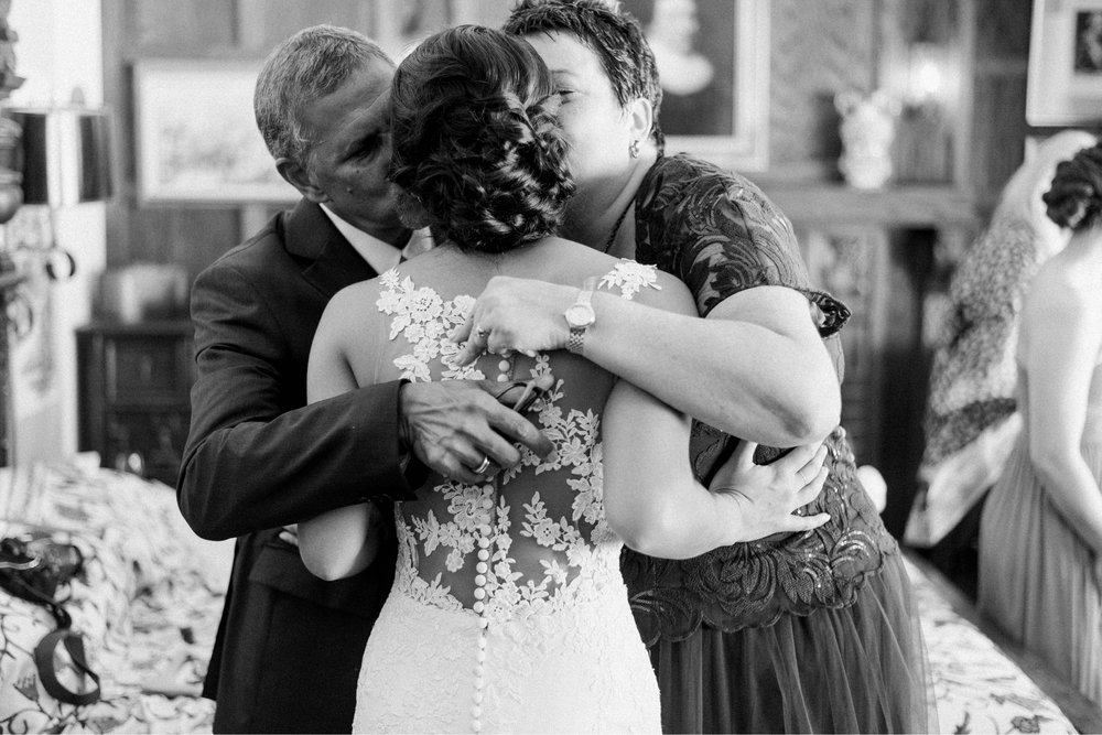 Williamsburgvawedding_backyardwedding_virginiaweddingphotographer_lynchburgweddingphotographer_PaulAliya 16.jpg