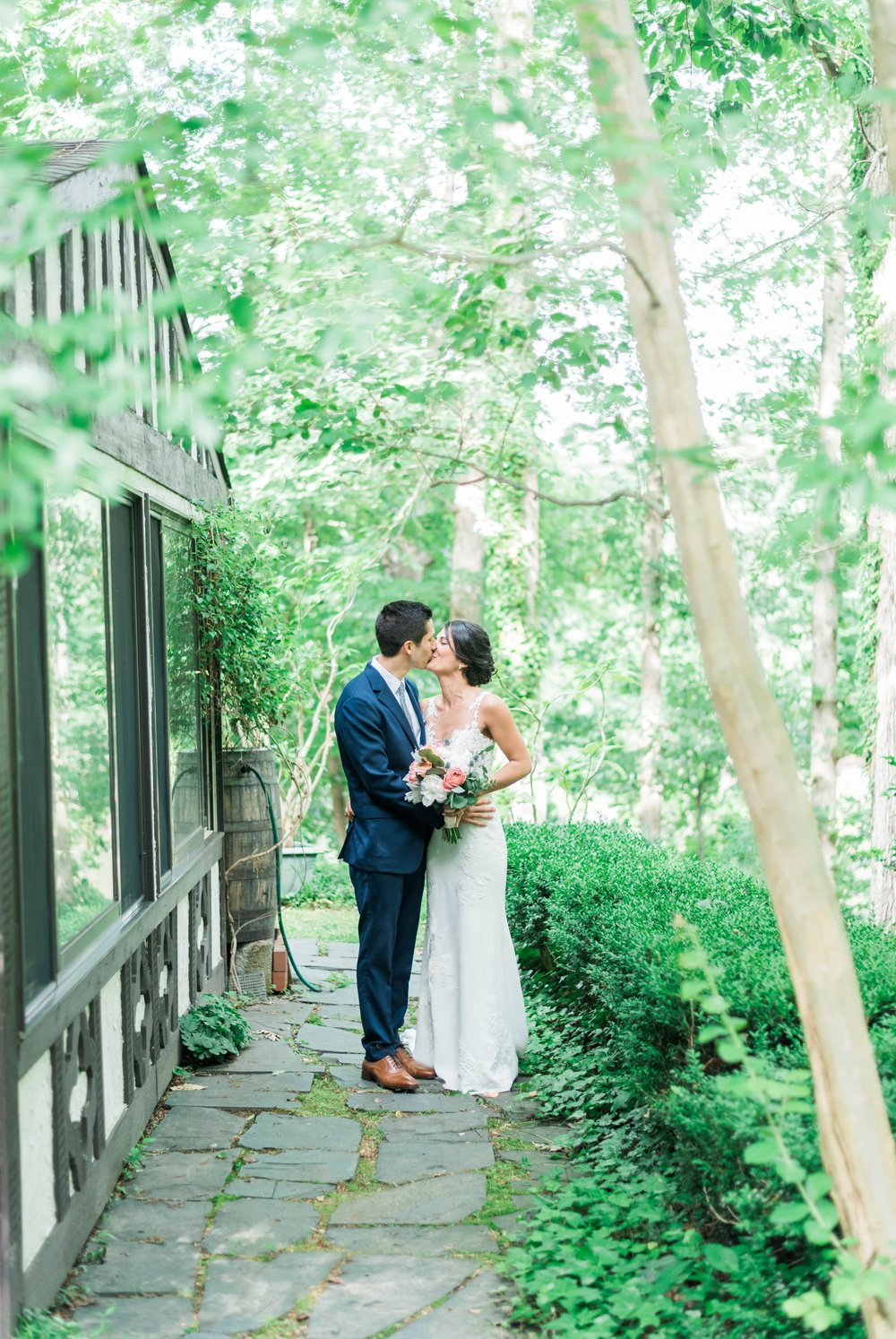 Williamsburgvawedding_backyardwedding_virginiaweddingphotographer_lynchburgweddingphotographer_PaulAliya 24.jpg
