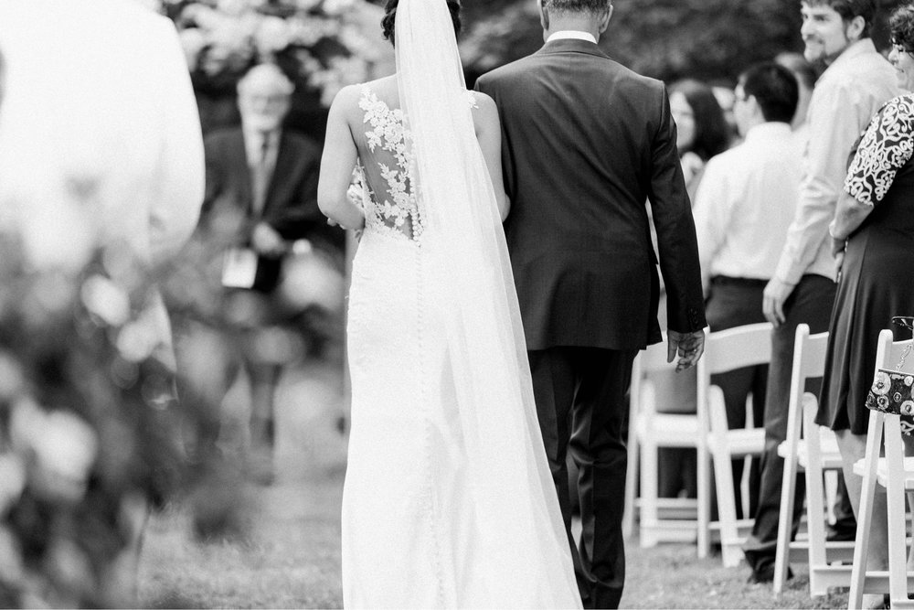 Williamsburgvawedding_backyardwedding_virginiaweddingphotographer_lynchburgweddingphotographer_PaulAliya 11.jpg