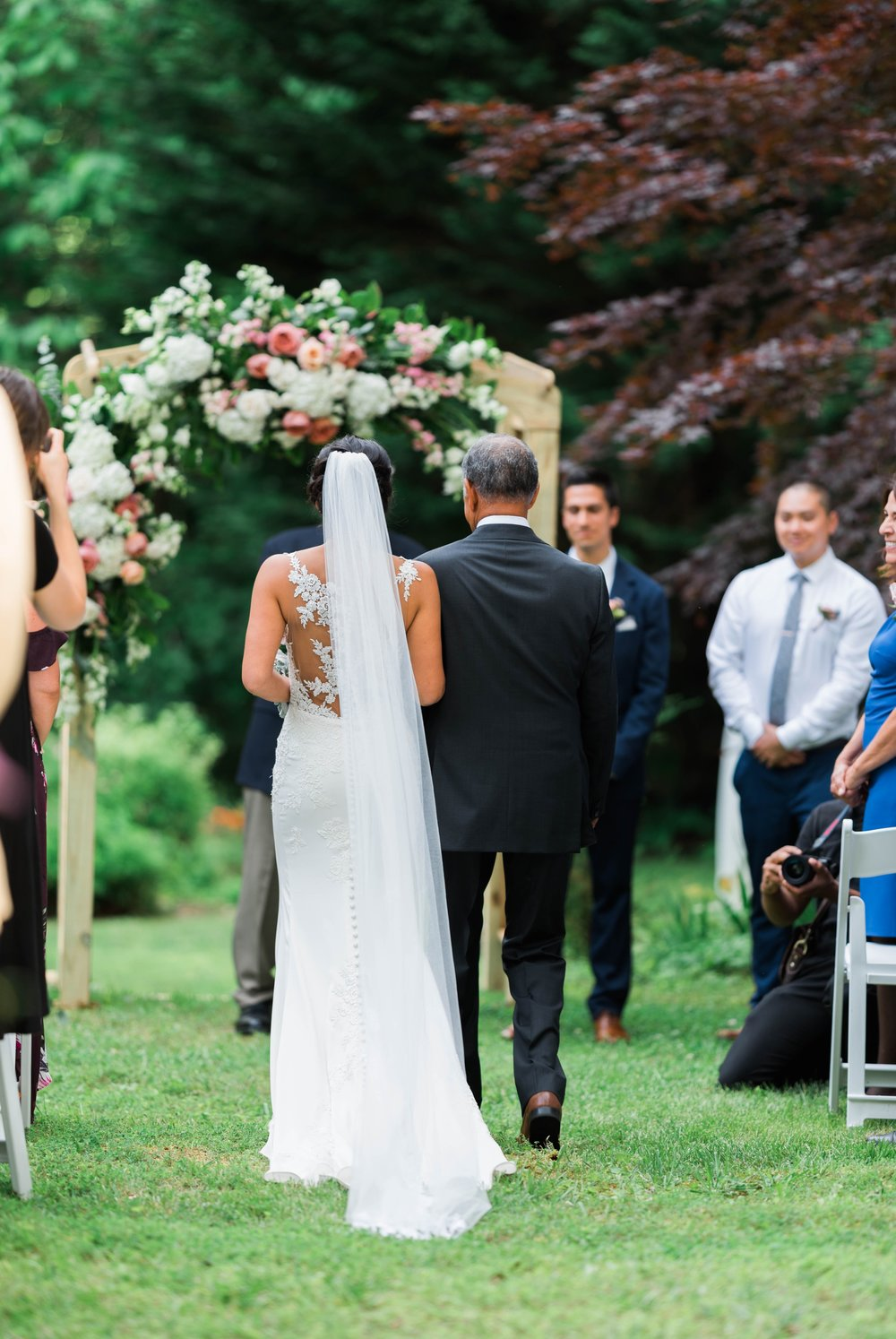 Williamsburgvawedding_backyardwedding_virginiaweddingphotographer_lynchburgweddingphotographer_PaulAliya 12.jpg