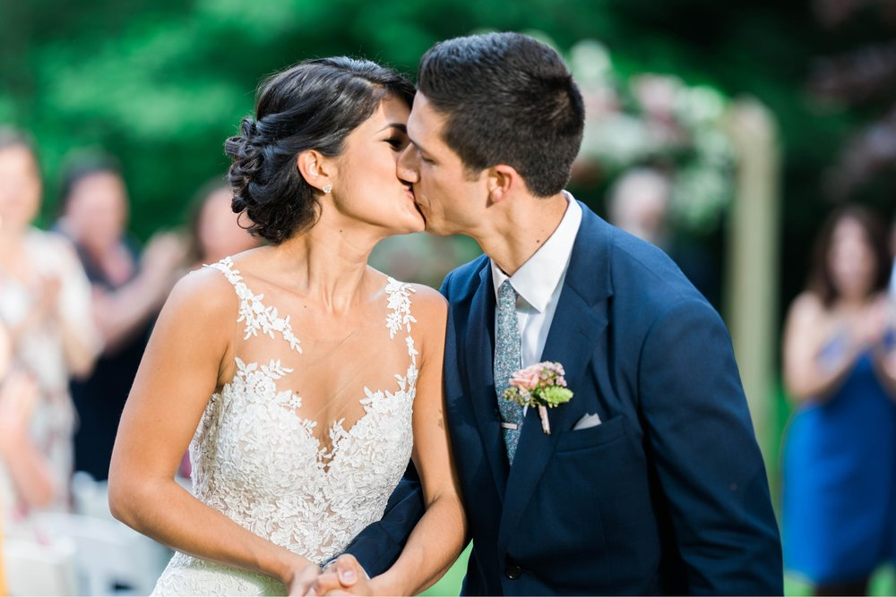 Williamsburgvawedding_backyardwedding_virginiaweddingphotographer_lynchburgweddingphotographer_PaulAliya 20.jpg
