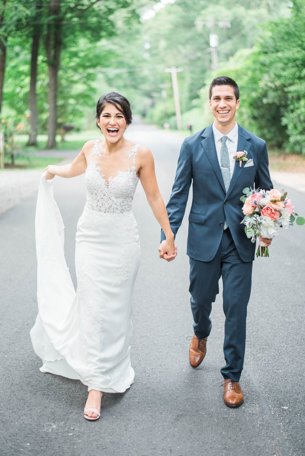 Williamsburgvawedding_backyardwedding_virginiaweddingphotographer_lynchburgweddingphotographer_PaulAliya 25.jpg