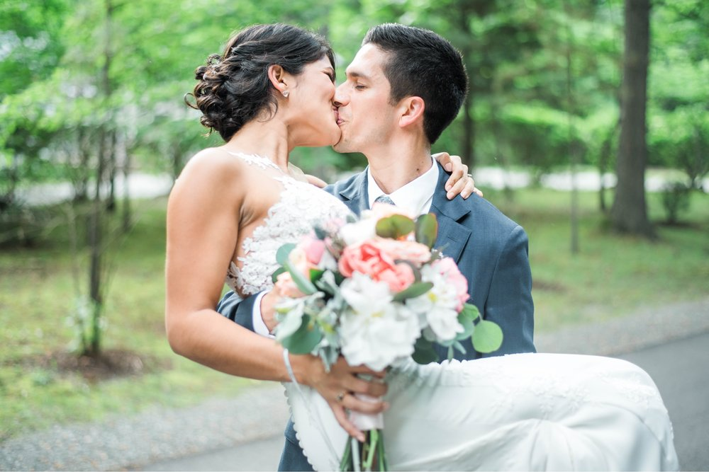 Williamsburgvawedding_backyardwedding_virginiaweddingphotographer_lynchburgweddingphotographer_PaulAliya 28.jpg