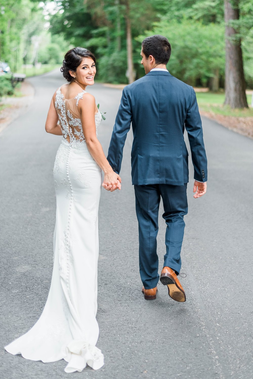 Williamsburgvawedding_backyardwedding_virginiaweddingphotographer_lynchburgweddingphotographer_PaulAliya 27.jpg