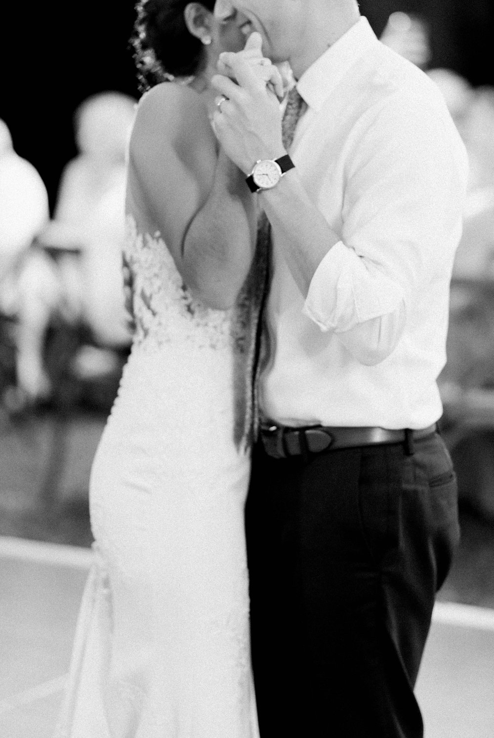 Williamsburgvawedding_backyardwedding_virginiaweddingphotographer_lynchburgweddingphotographer_PaulAliya 39.jpg