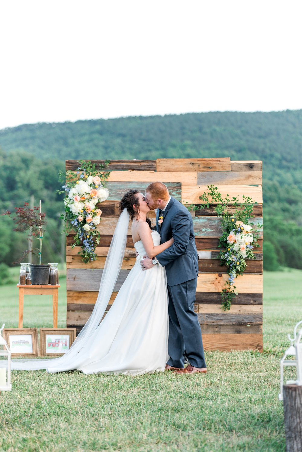 SorellaFarms_EvingtonVA_Lynchburgweddingphotographer_VirginiaweddingPhotographer_AshleyAndrewSorellaFarmsWedding 50.jpg