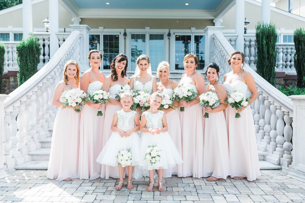 BedfordColumns_EntwinedEvents_Lynchburgwedding_VIrginiaweddingphotographer_ALlisonNIck 21.jpg