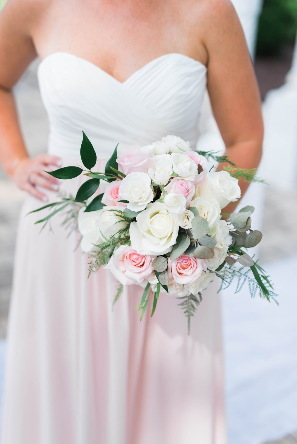 BedfordColumns_EntwinedEvents_Lynchburgwedding_VIrginiaweddingphotographer_ALlisonNIck 24.jpg
