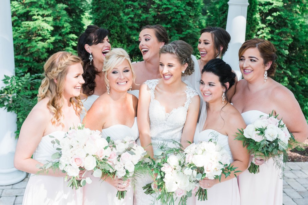 BedfordColumns_EntwinedEvents_Lynchburgwedding_VIrginiaweddingphotographer_ALlisonNIck 27.jpg
