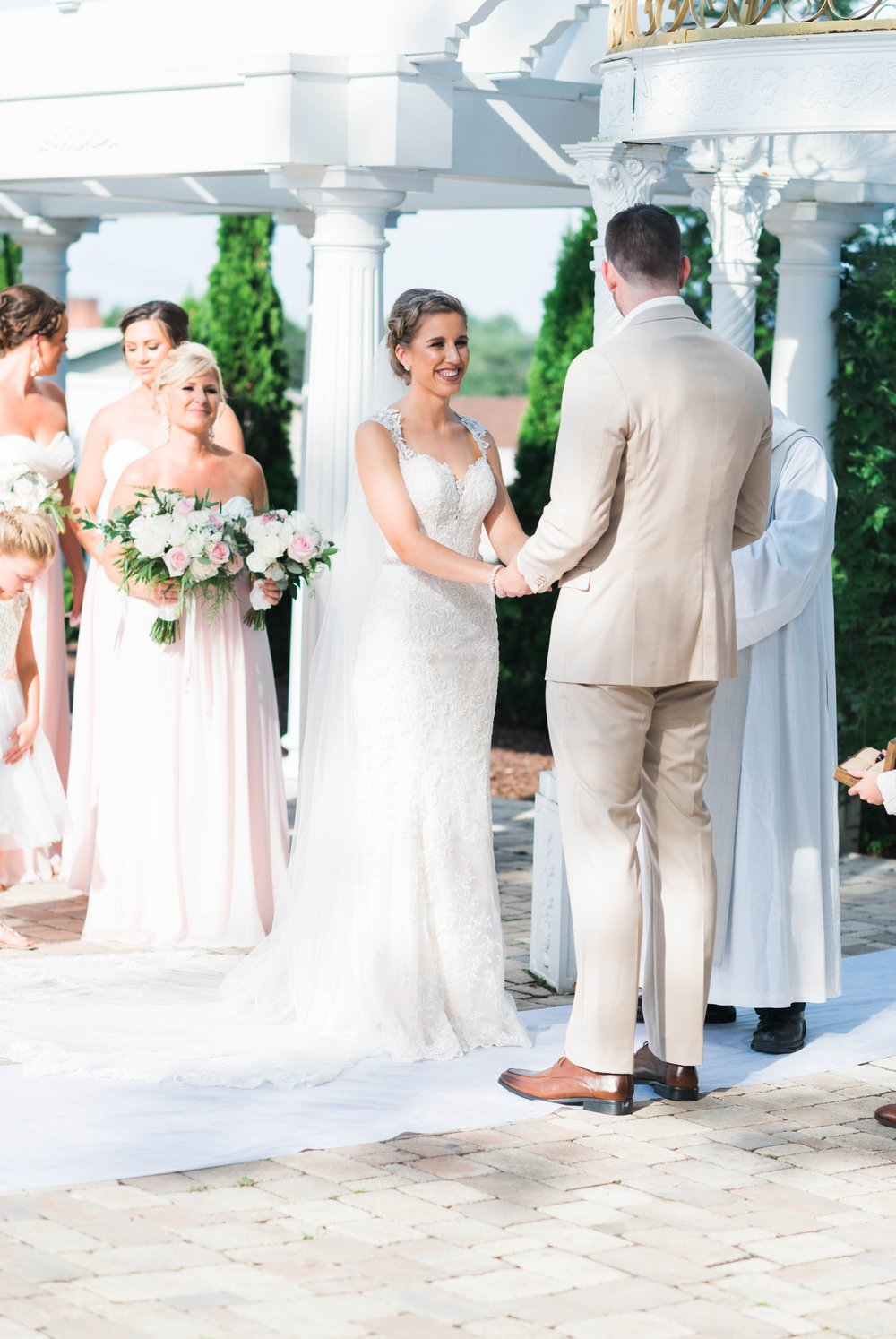 BedfordColumns_EntwinedEvents_Lynchburgwedding_VIrginiaweddingphotographer_ALlisonNIck 47.jpg