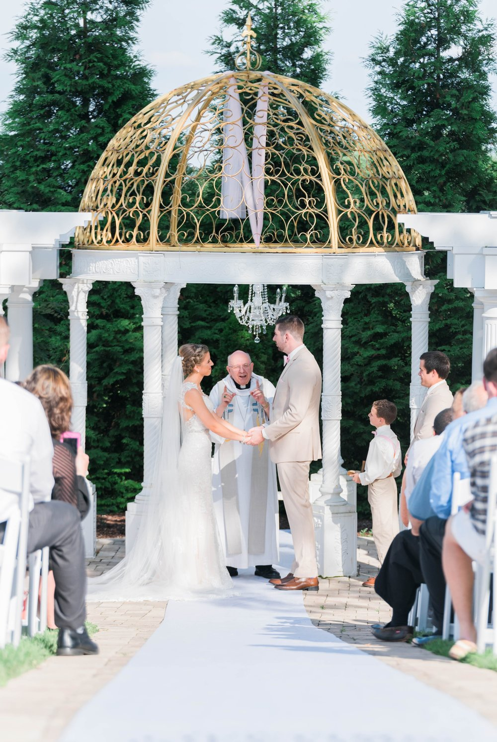 BedfordColumns_EntwinedEvents_Lynchburgwedding_VIrginiaweddingphotographer_ALlisonNIck 46.jpg