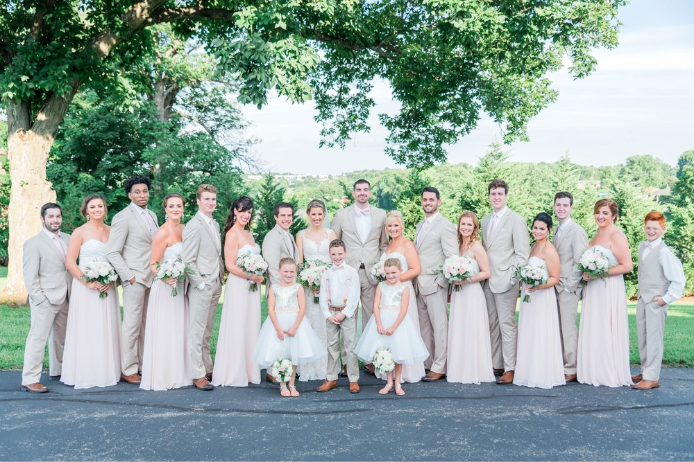 BedfordColumns_EntwinedEvents_Lynchburgwedding_VIrginiaweddingphotographer_ALlisonNIck 3.jpg