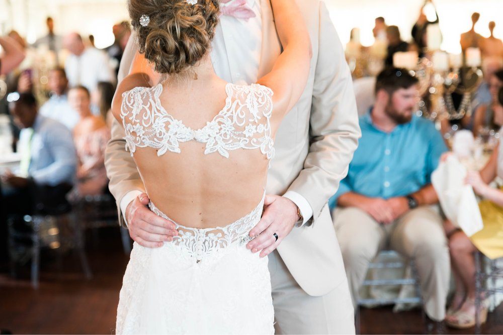 BedfordColumns_EntwinedEvents_Lynchburgwedding_VIrginiaweddingphotographer_ALlisonNIck 12.jpg