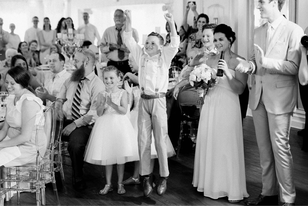 BedfordColumns_EntwinedEvents_Lynchburgwedding_VIrginiaweddingphotographer_ALlisonNIck 14.jpg
