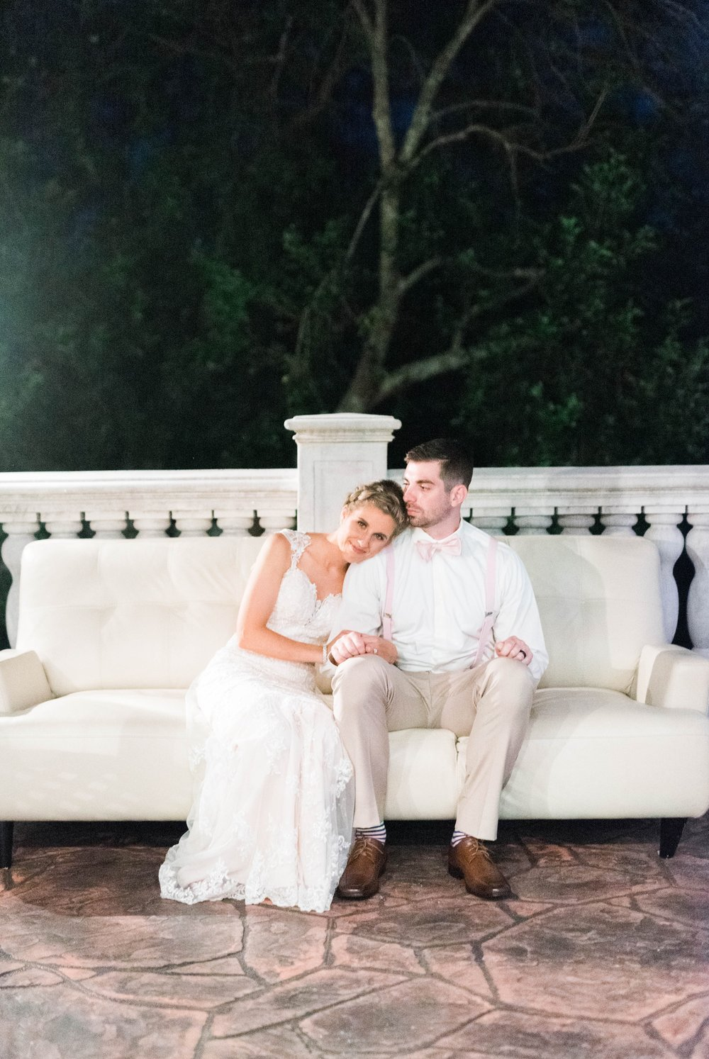 BedfordColumns_EntwinedEvents_Lynchburgwedding_VIrginiaweddingphotographer_ALlisonNIck 30.jpg