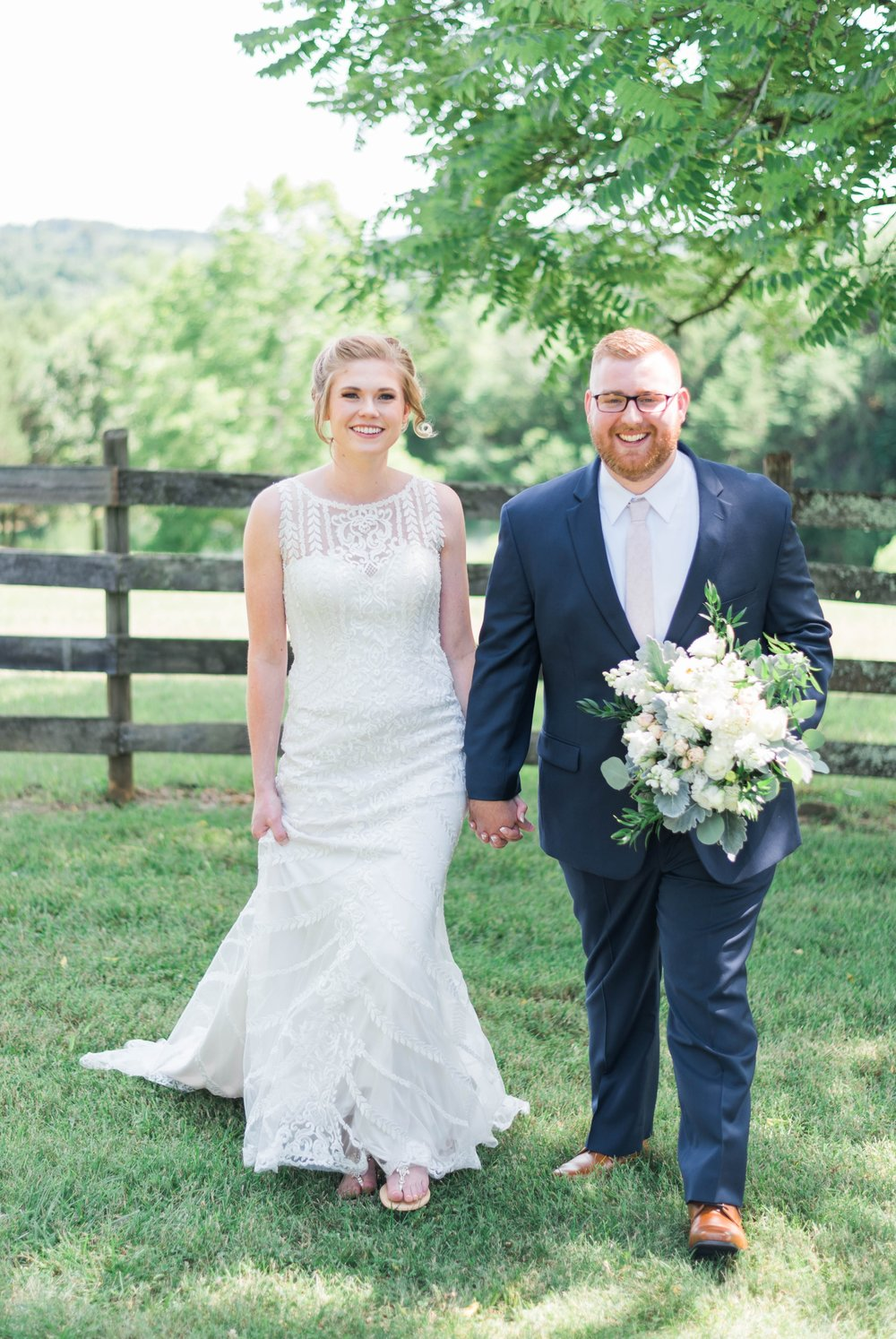 SorellaFarms_VirginiaWeddingPhotographer_BarnWedding_Lynchburgweddingphotographer_DanielleTyler 45.jpg