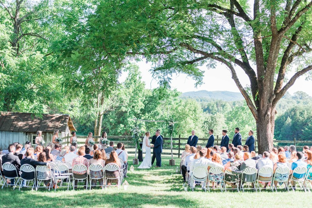 SorellaFarms_VirginiaWeddingPhotographer_BarnWedding_Lynchburgweddingphotographer_DanielleTyler 41.jpg
